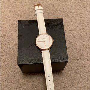Accessories - brand new Daniel Wellington watch